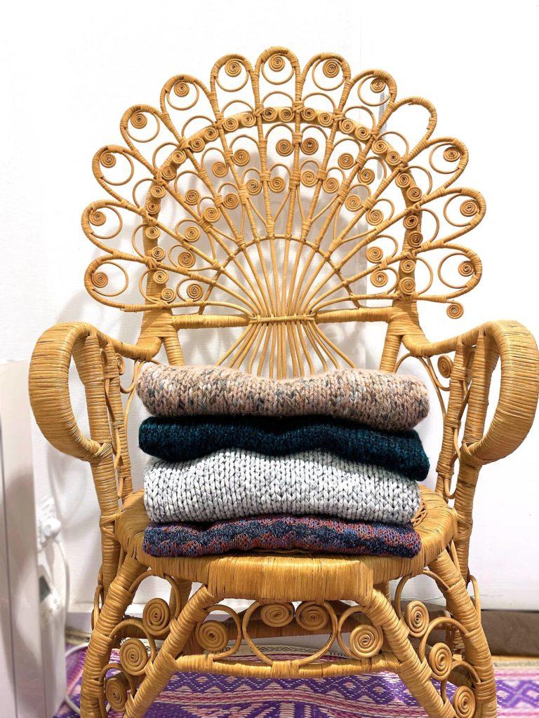 Chaise en osier rotin pil de vêtements