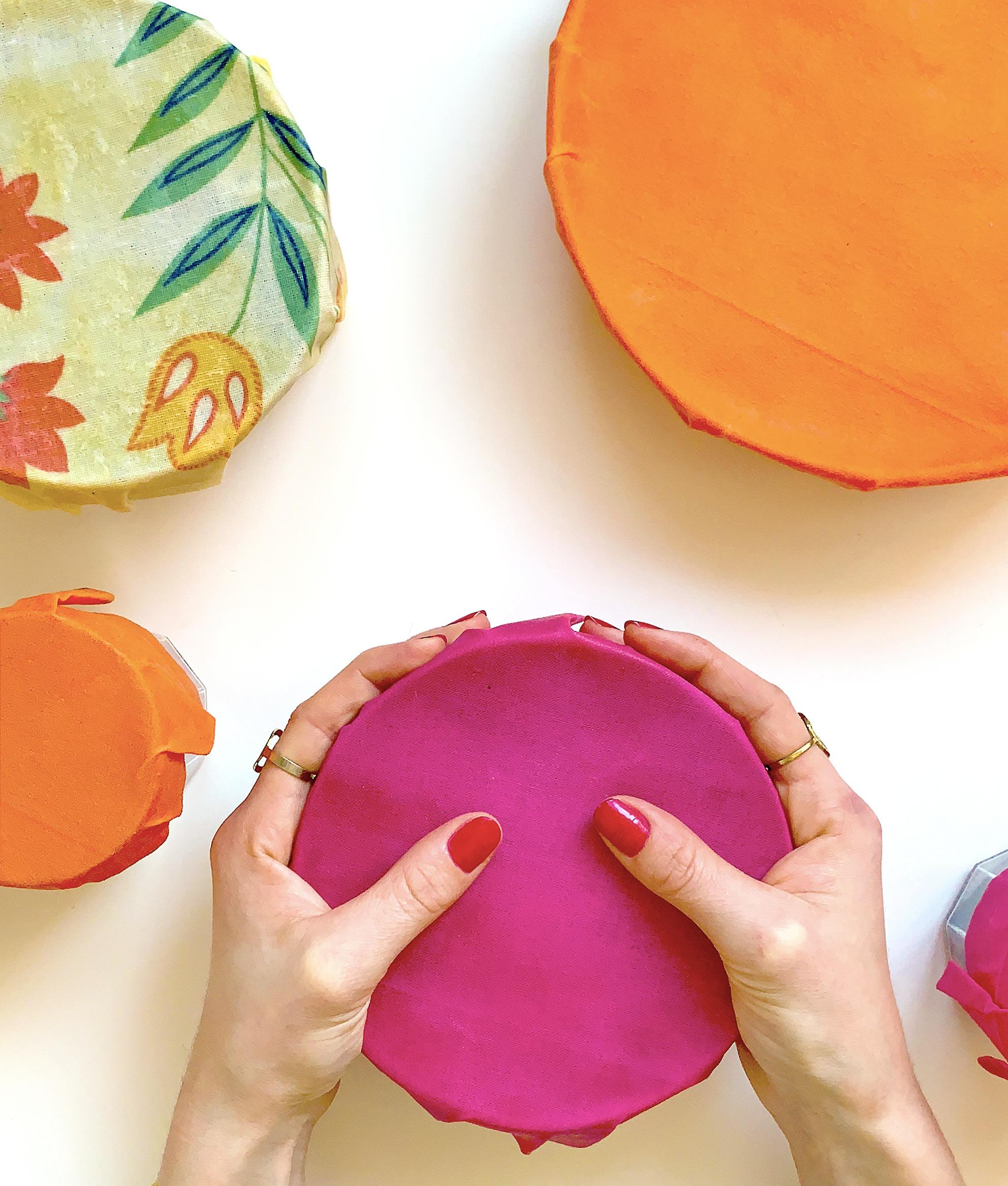 Beewra tissus rose orange mains