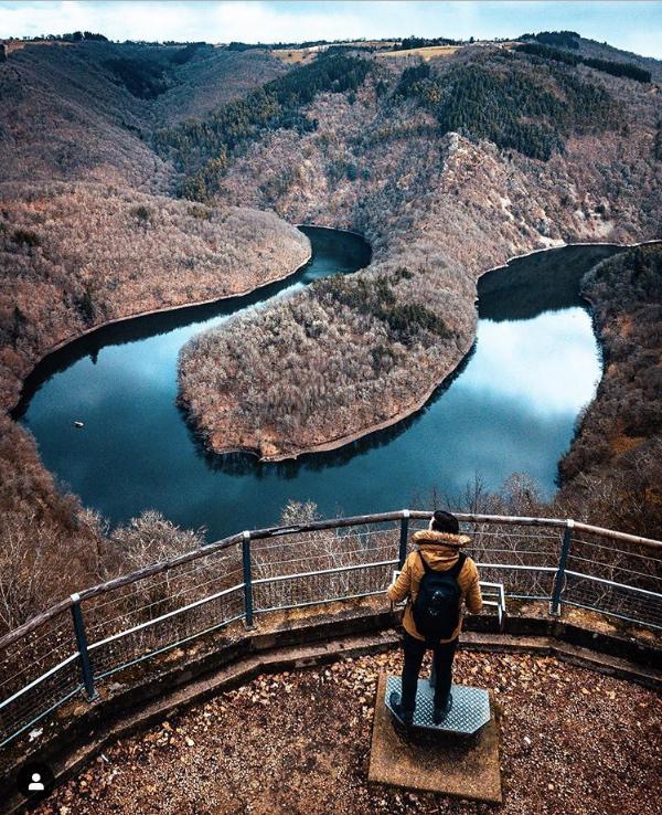 Méandre de queuille Puy de Dôme panorama lac