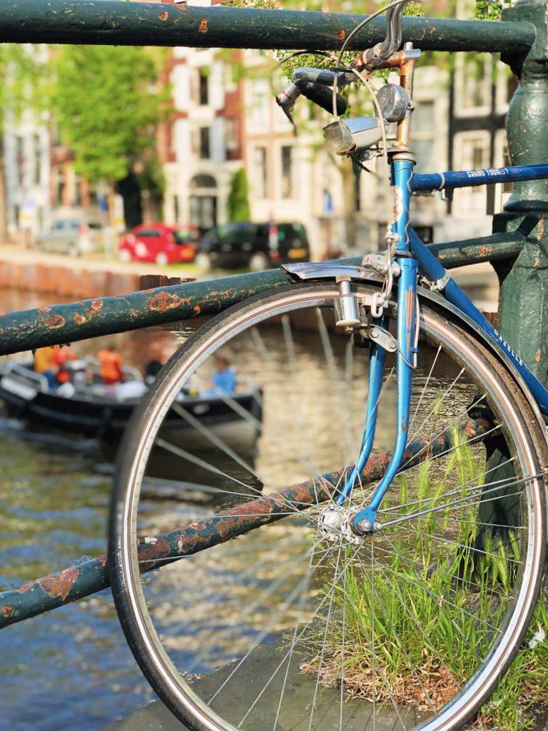 Amsterdam cana vélo bleu