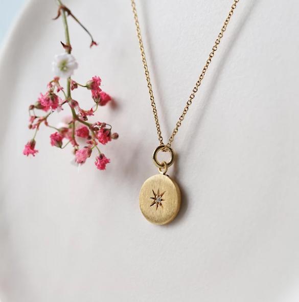 médaille boneur bijoux plaqué or pierres naturelle éthique
